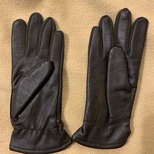 Accessories - Black leather gloves, tiny